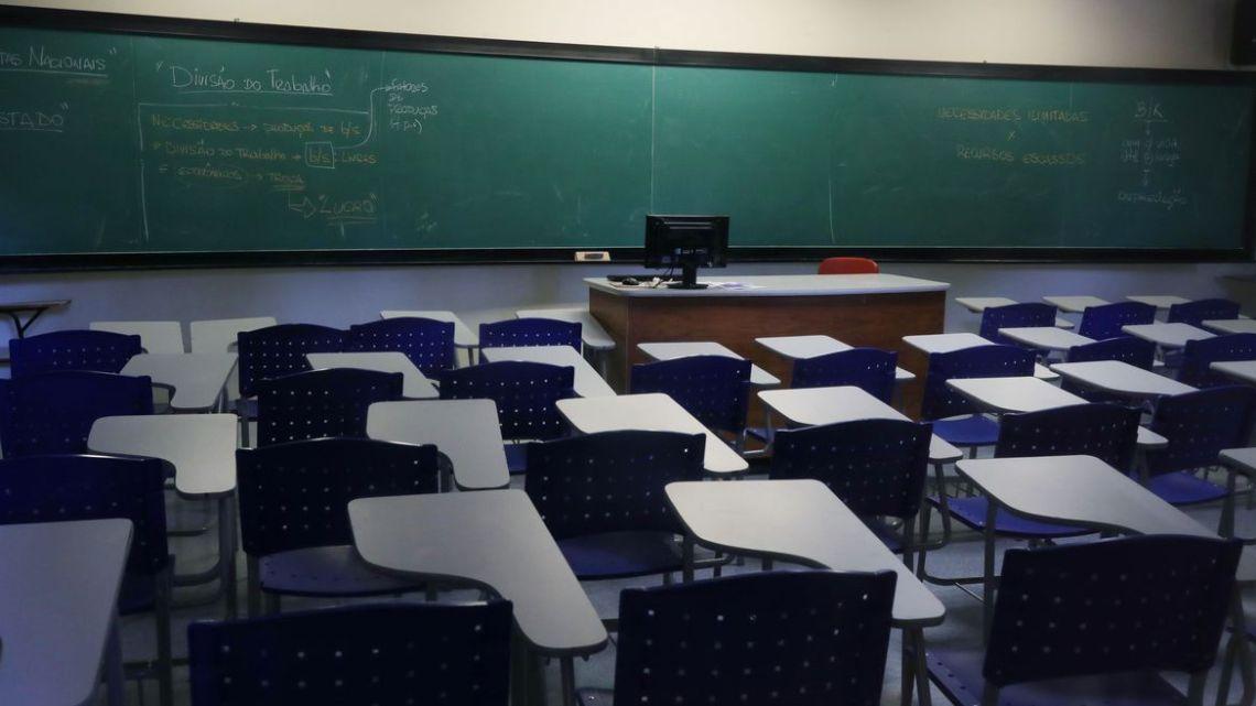 Escolas devem conceder desconto durante isolamento, diz Procon-SP