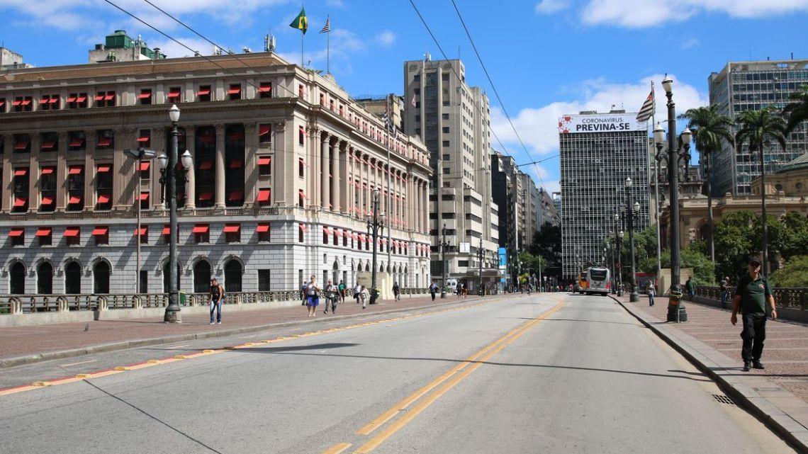 Taxa de isolamento social em São Paulo se mantém abaixo dos 55%