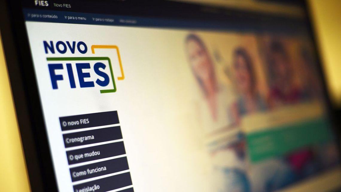 MEC publica novos editais para Prouni e Fies referentes ao 1º semestre