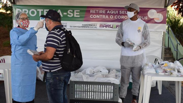 Sads promove segunda ação de entrega de máscaras e kits contra coronavírus