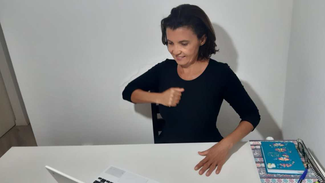 Em encontros on-line, intérpretes de Libras fazem produtivas ações com alunos surdos