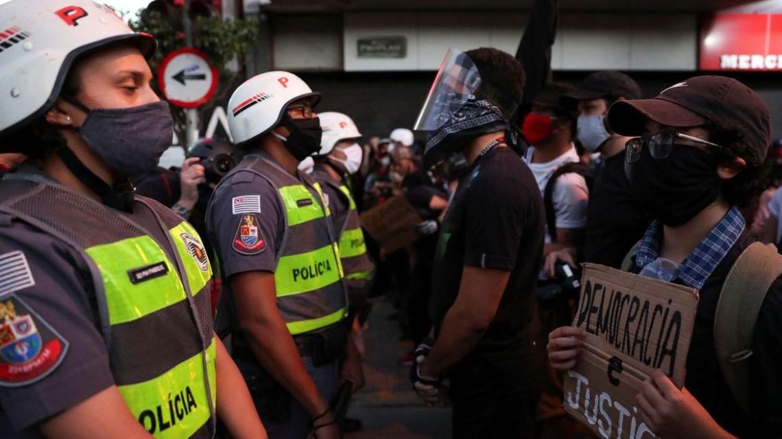 Polícia deteve 32 pessoas nas manifestações de ontem em São Paulo