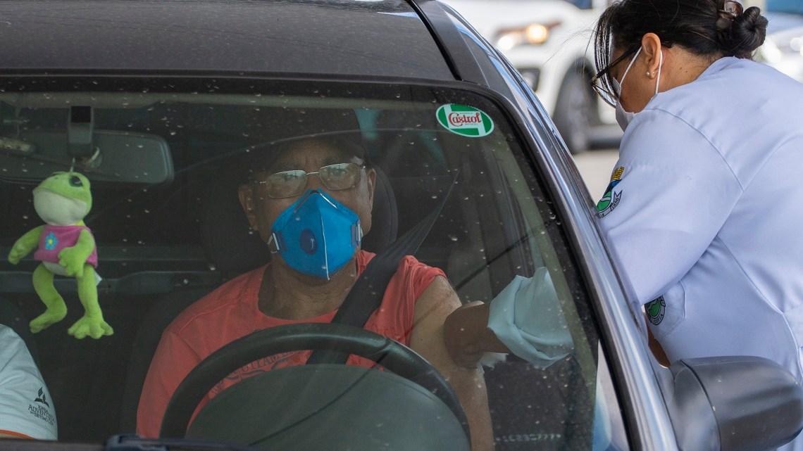 Vacinação contra a gripe é prorrogada, Cotia recebe novas doses e realiza drive-thru no sábado (6)