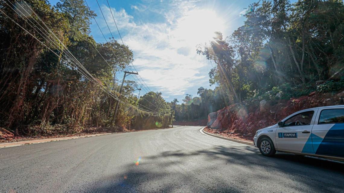 Estrada da Servidão, na Nova Itapevi, recebe pavimentação asfáltica