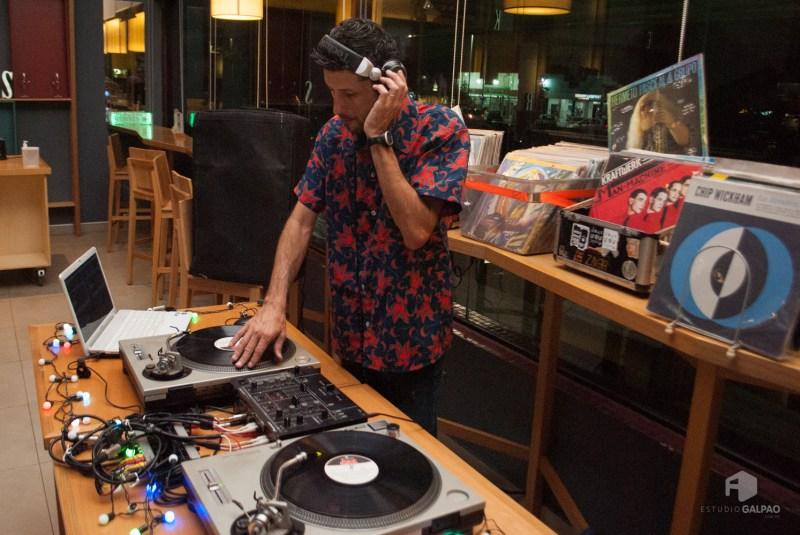 DJ Captain Wander