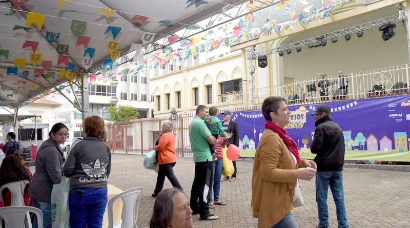 Festejos juninos na praça do Coreto
