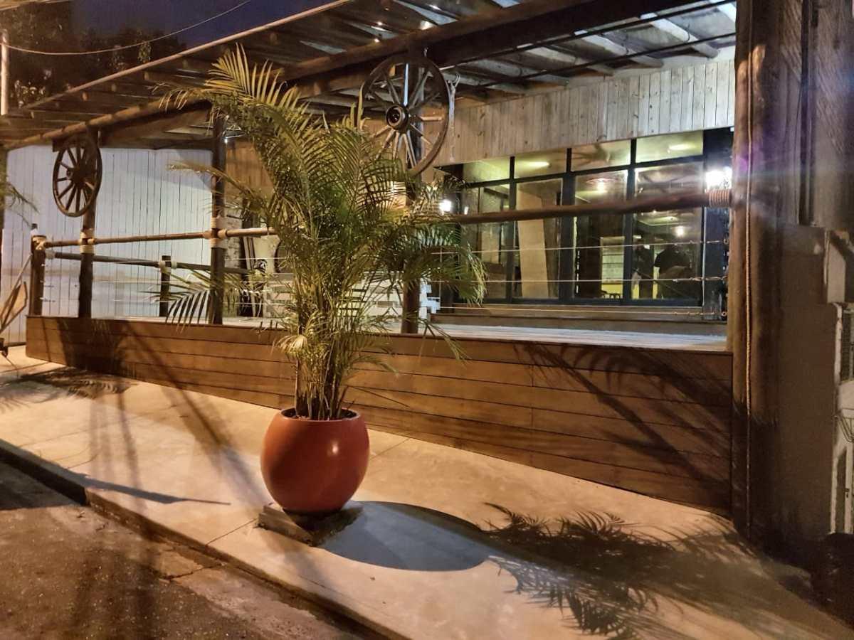 Shows sertanejos marcam inauguração do Seo Bento Pub em Jundiaí