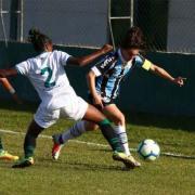 Foto de Karina, jogadora do Grêmio