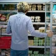 Foto de consumidor no supermercado