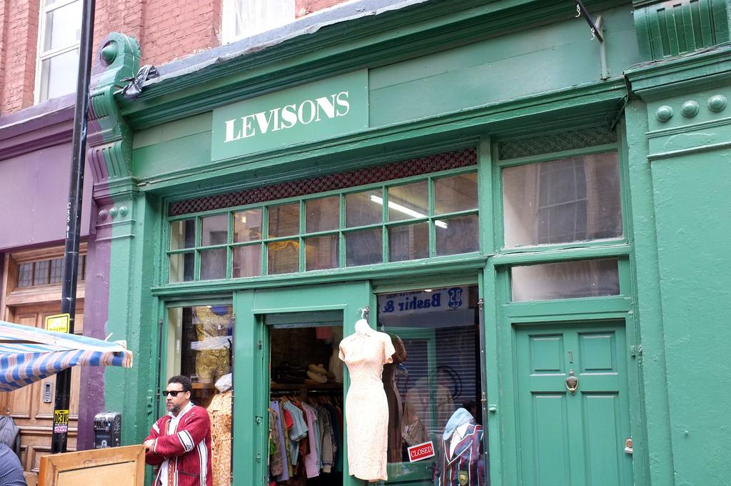 Shopping london levisons of cheshire street a continuous lean - Boutique vintage londres ...