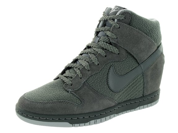 Nike Women's Dunk Sky Hi Essential Casual Shoe
