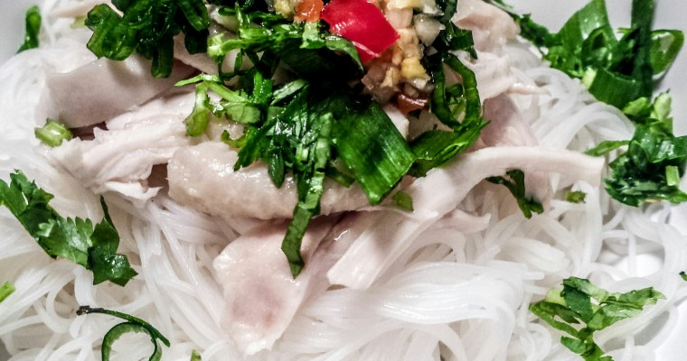 BÚN GẠO GÀ – RICE VERMICELLI WITH SHREDDED CHICKEN