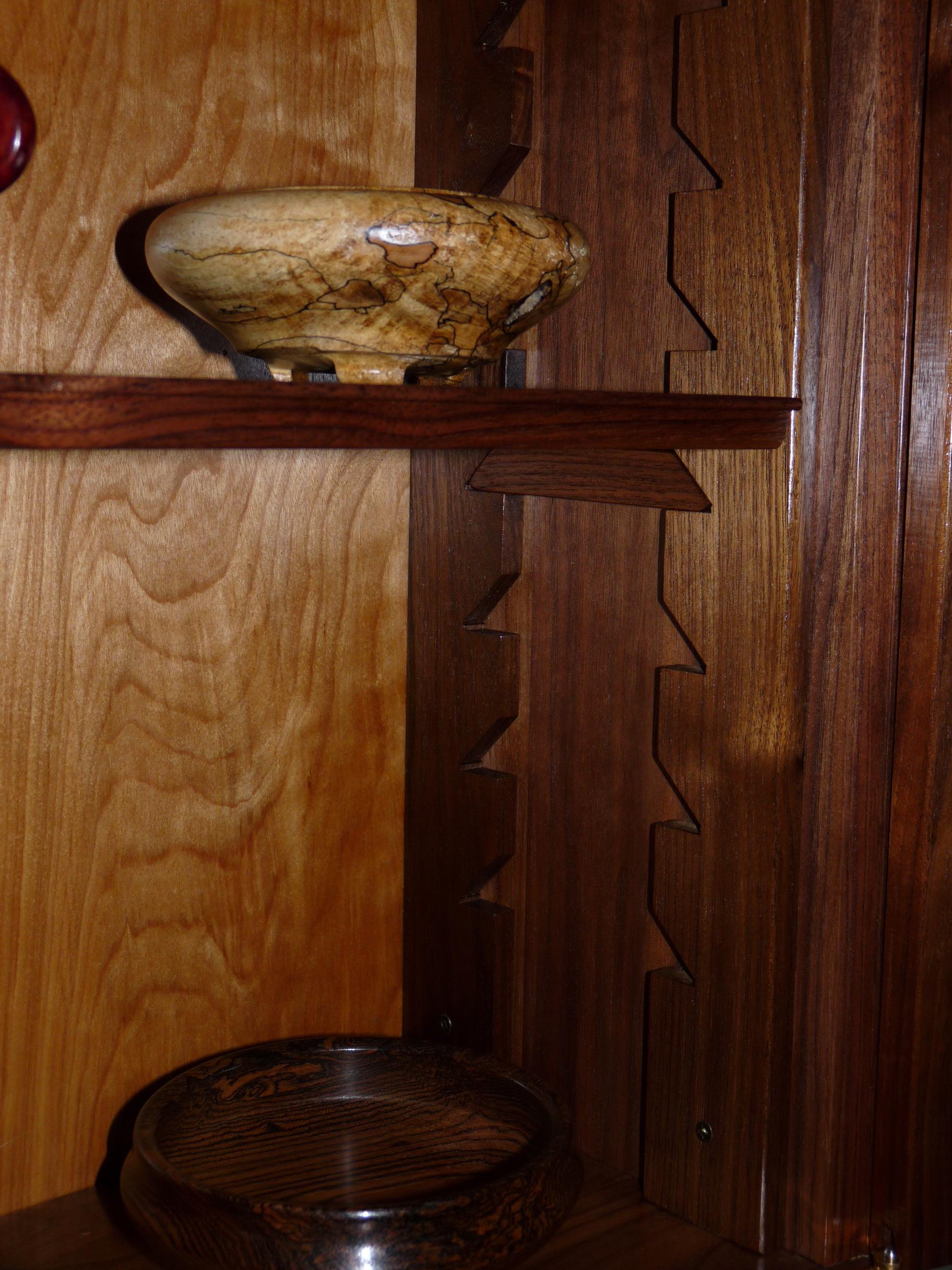 Adjustable shelf supports