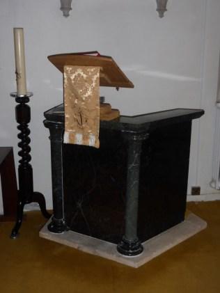 St Clement: serpentine pulpit