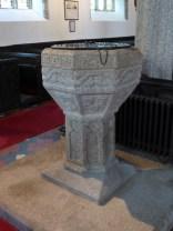 Kilkhampton: C16 font bearing the Grenville arms