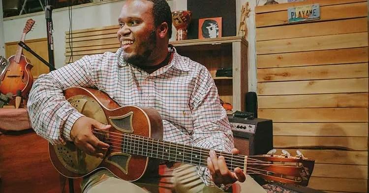 Blues guitarist Jontavious Willis