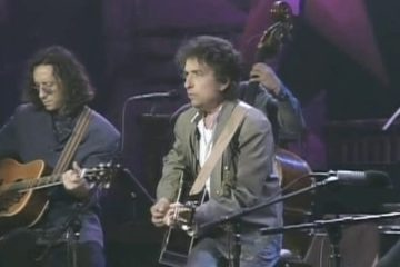bob dylan acoustic guitar live