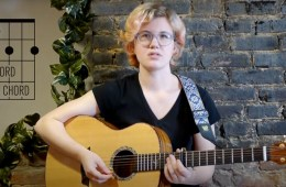 guitarist kate koenig demonastrate how to play the b7 chord on guitar