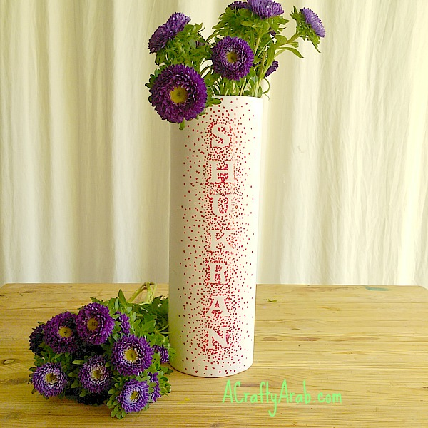 ACraftyArab Sharpie Dot Vase Tutorial