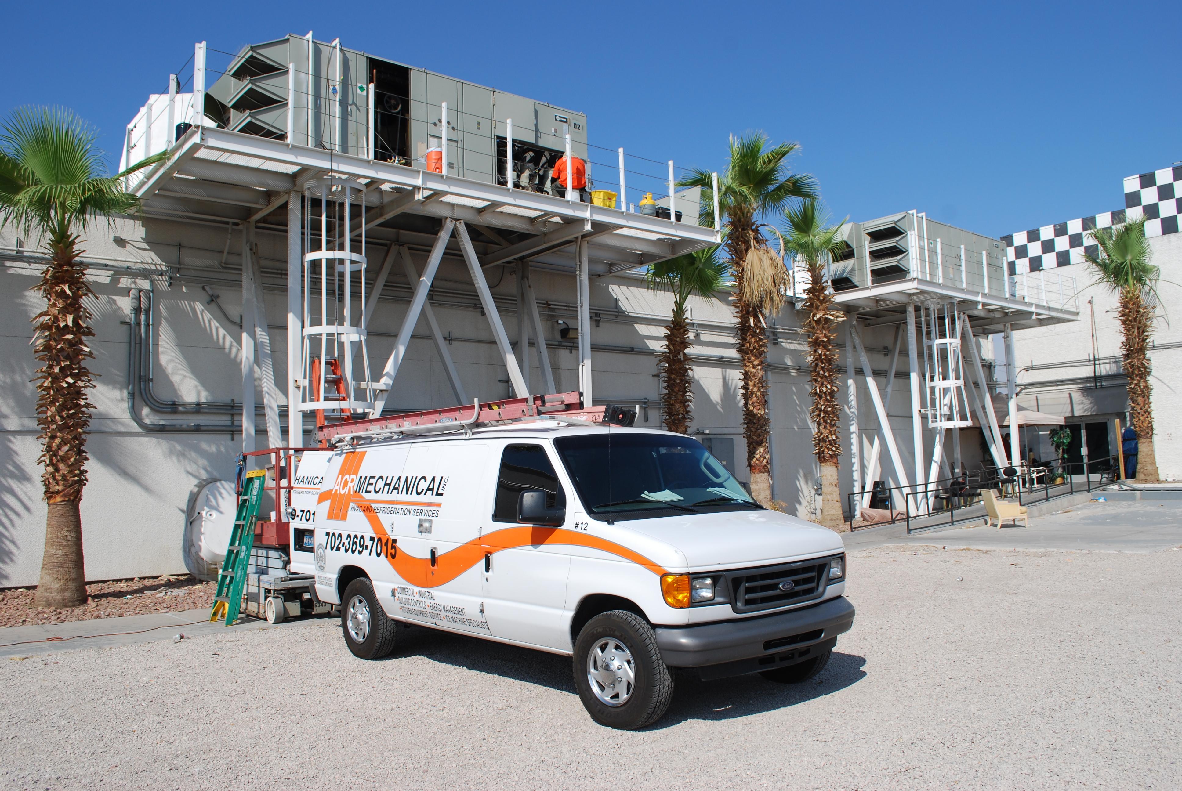 ACR Mechanical Service Technician and work van in Las Vegas