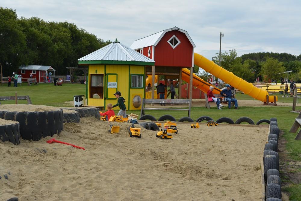 Big Sandbox at Kraay Family Farm