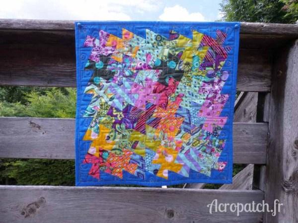 Acropatch-Panneau-mural-twisting pinwheels-Motif-Quilting-PICASSO CARRES-fil-uni-jaune orangé-
