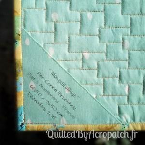 Acropatch-Scrappy_quilt-Motif-Quilting-Légo-fil-multicolore-étiquette