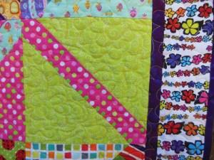 Acropatch-Motif-Quilting-NUAGE-plaid-multicolore-fil-dégradé-jaune-détails