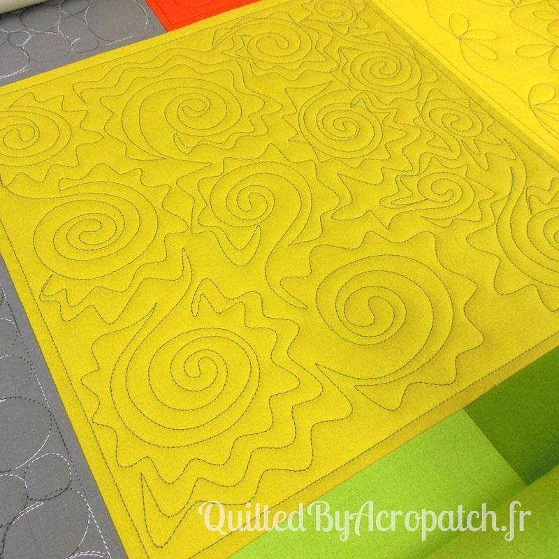 Acropatch-Motif-Quilting-SOLEIL-Sampler-fil-uni-gris (3)