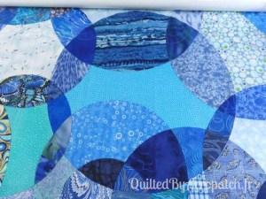 Acropatch-Panneau-mural-Motif-Quilting-LASSO-fil-dégradé-bleu-avant le quiltage