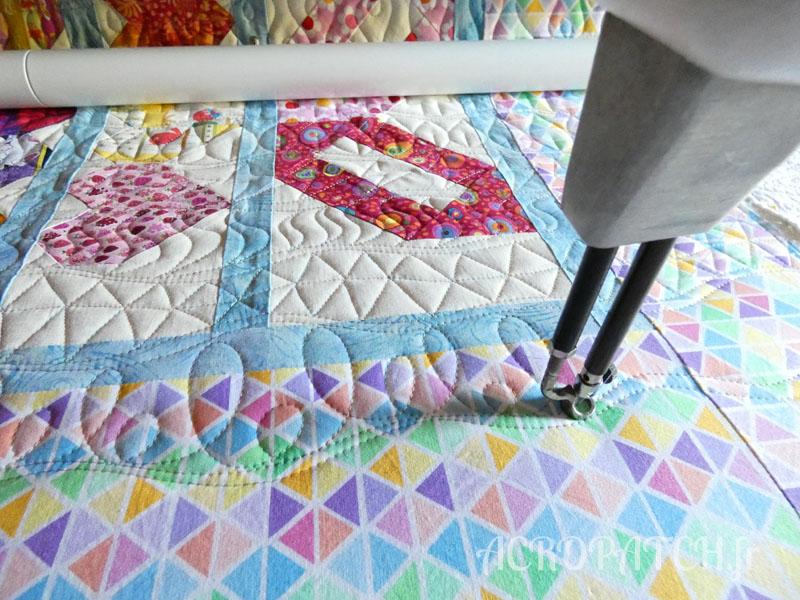 Acropatch-Plaid-Zébulon-Motif-Quilting-Medley-fil-multicolore pastel-en cours de matelassage