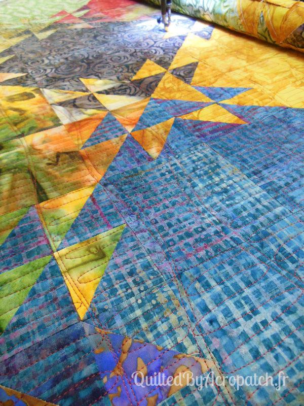 Acropatch-Panneau-mural-Shimmer quilt-Couleurs d'automne-Motif-Quilting-Montagnes russes-fil-uni-orange foncé-en cours du quiltage