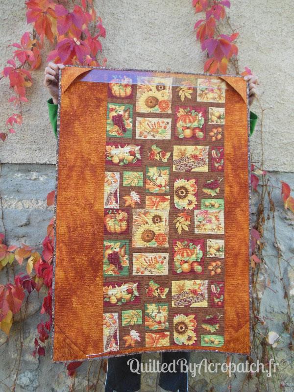 Acropatch-Panneau-mural-Shimmer quilt-Couleurs d'automne-Motif-Quilting-Montagnes russes-fil-uni-orange foncé-vue sur l'envers