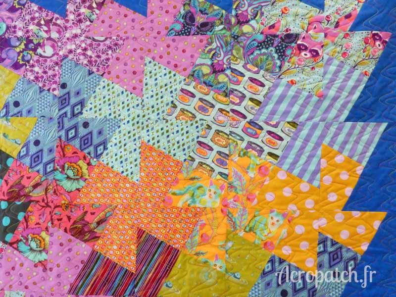 Acropatch-motif-quilting-SPLASH-vertical-panneau-mural-fil-multicolore-détails