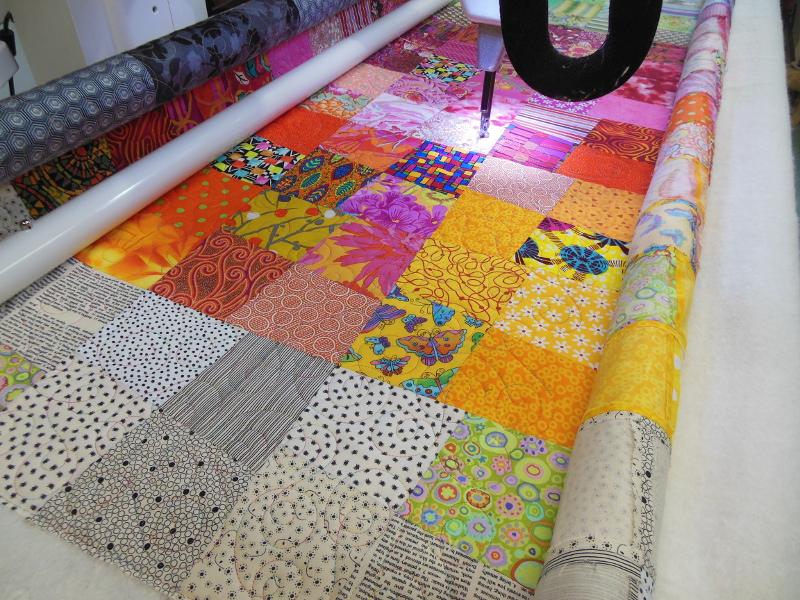 """Panneau-mural-""""Sunshine""""-Motif-Quilting-DOUBLE BOUCLE-fil-multicolore-en cours de quilting"""