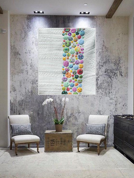 Acropatch-Panneau_mural-Modern_quilt-Pink-Motif-Quilting-Medley-fil-uni-gris clair-dans une entrée