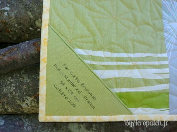 Acropatch-Baby Quilt-Box2-Motif-Quilting-Moulin-fil-uni-doré-92x102cm-Etiquette