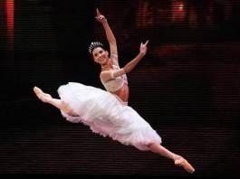 La primera bailarina del Staatsballet de Berlín, Elisa Carrillo se convirtió en la primer mexicana en ganar el Premio Benois de la Danse 2019.