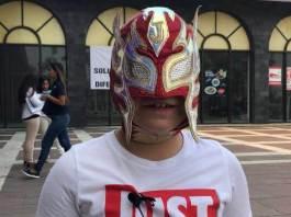 En el ambiente luchistico local viene destacando poco a poco un niño, un gladiador infantil en que ya tiene la mira puesta la empresa AAA, su nombre el Jarochito Uvil.