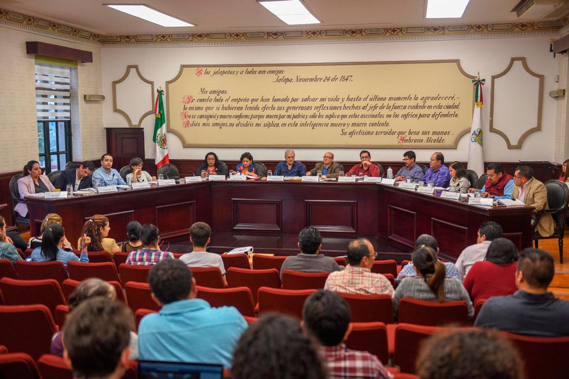 Los integrantes del Cabildo, durante la Sesión Ordinaria de este miércoles, aprobaron los estados financieros de abril, el Informe de Actividades del Secretario del Ayuntamiento y las actas de dos sesiones anteriores.