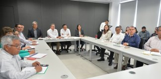 El gobernador, Cuitláhuac García Jiménez solicitó al gobierno federal la declaratoria de desastre, tras sequía en 53 municipios veracruzanos, que se vieron afectados por este fenómeno natural.