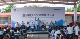 El alcalde de Boca del Río, Humberto Alonso Morelli arrancó el programa 'Sembrando por Boca', con la finalidad de contribuir con el medio ambiente, donde se involucran los niños de la ciudad.