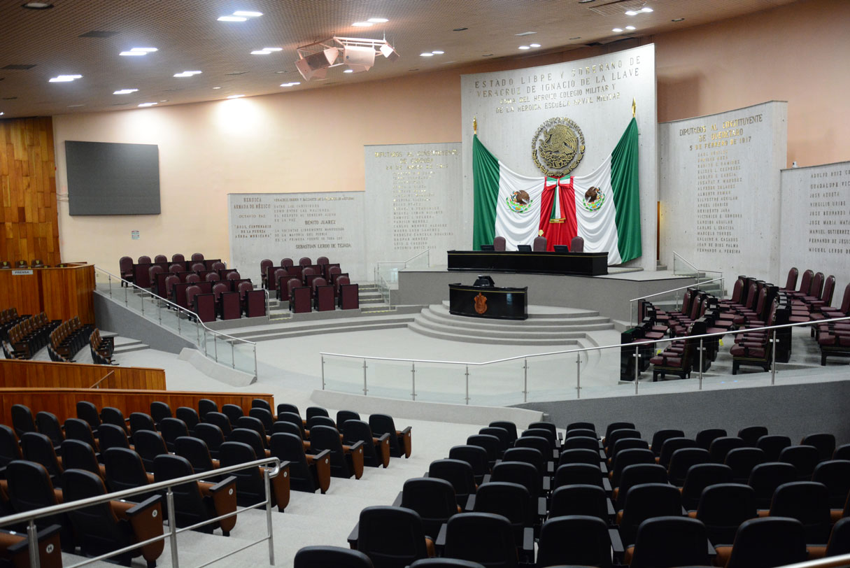 El Congreso local aprobó con 34 votos a favor y 11 en contra, los diputados locales aprobaron el decreto para cancelar la reforma educativa.