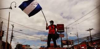 Partidos políticos hondureños de oposición llamaron a sumarse al paro convocado para este jueves por los maestros y médicos del sector público para exigir la derogación de dos decretos que aseguran les afectan a ellos y al pueblo hondureño.