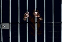 """Una reforma al Código Penal de Veracruz realizada en junio de 2017 bajo el argumento de """"apoyar"""" a niñas, niños y adolescentes, disminuyó las penas a pederastas, a los que tienen una agravante como ser parientes o mantener una relación de autoridad con la víctima."""