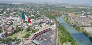El alcalde de Nuevo Laredo, Enrique Rivas señaló que su gobierno no tiene la capacidad de afrontar el tema migratorio.