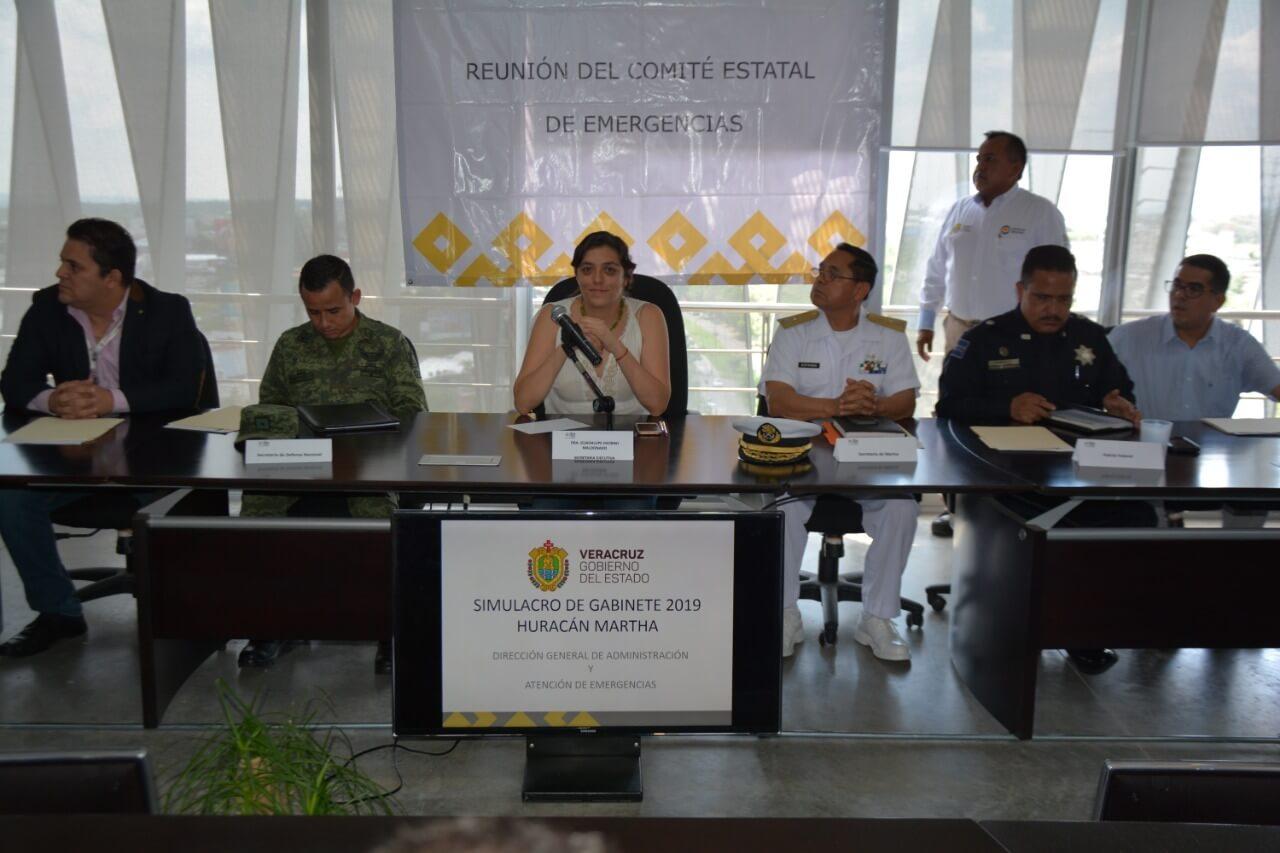 La Secretaría de Protección Civil (PC) en conjunto con el Comité Estatal de Emergencias (CEE) un simulacro de gabinete por la llegada de un huracán a costas veracruzanas.