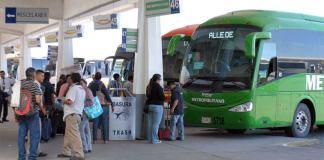 El presidente Andrés Manuel López Obrador anunció que se pedirá identificación a quienes compren boletos de transporte público, principalmente autobuses, para viajar trayectos largos.