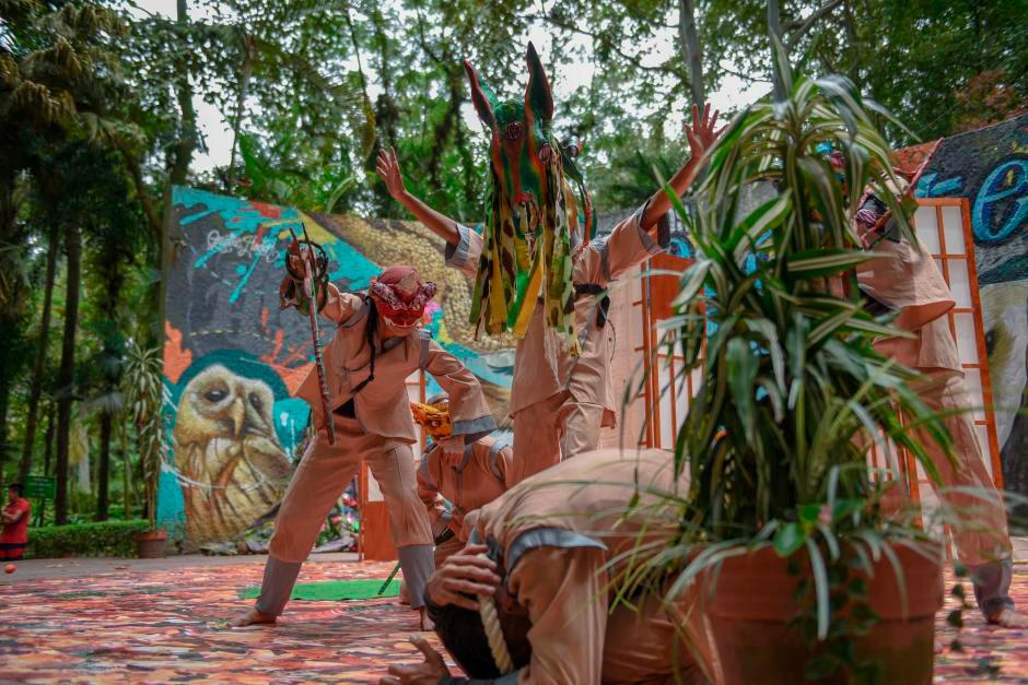 Como parte de las actividades de verano que promueve la Dirección de Turismo Municipal, se presenta la obra 'El guardián del bosque', en el parque Los Tecajetes.