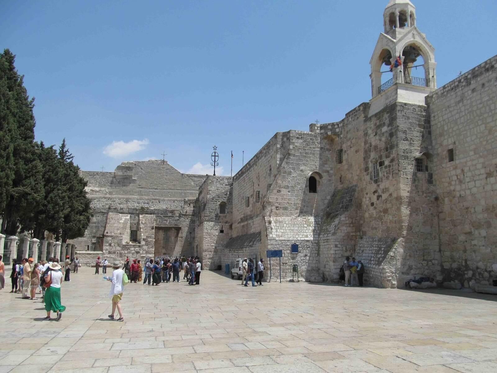 El Comité del Patrimonio Mundial de la Unesco decidió retirar de la Lista del Patrimonio Mundial en Peligro a la Basílica de la Natividad y la Ruta de Peregrinación en Belén tras siete años de esfuerzos de restauración y conservación.